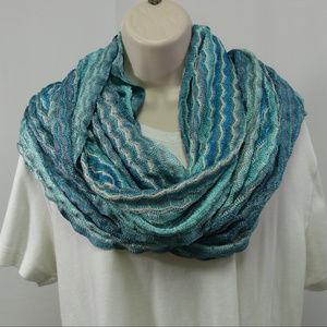 """C"" infinity scarf wavy turquoise crochet"